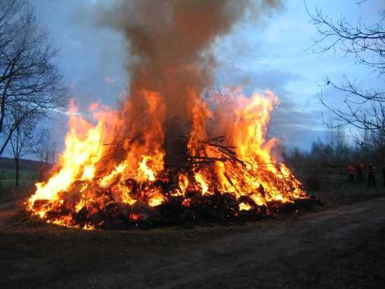 osterfeuer2010_036